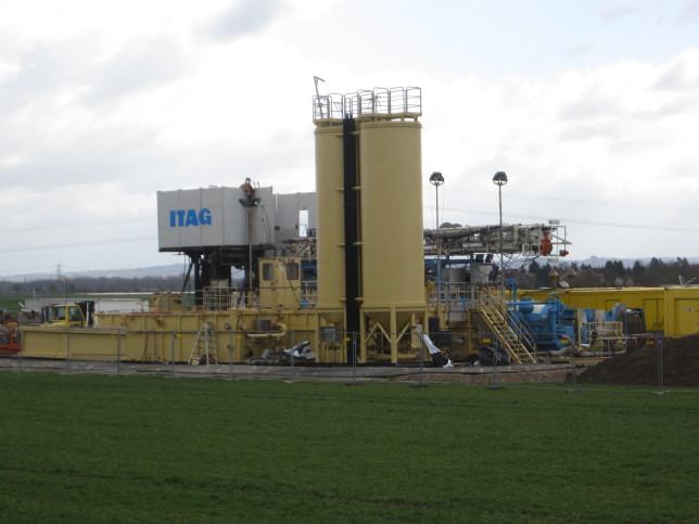 Probebohrung der Rhein Petroleum bei Goddelau (Bild: Klaus Dapp)