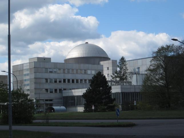 Forschungsreaktor des Kernforschungszentrums Karlsruhe (Bild: Klaus Dapp)