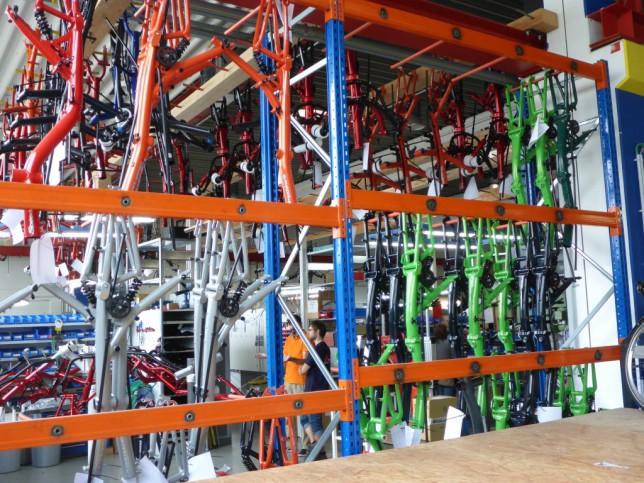 Lagerung von Zweiradrahmen im Montagebereich