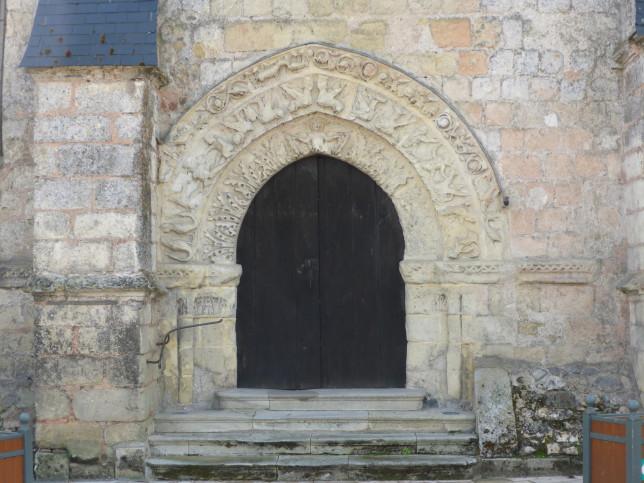 Eingangspforte der Kirche von Savonnières (Bild: Klaus Dapp)