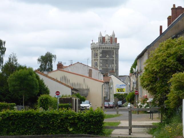 Wehrturm in Oudon (Bild: Klaus Dapp)