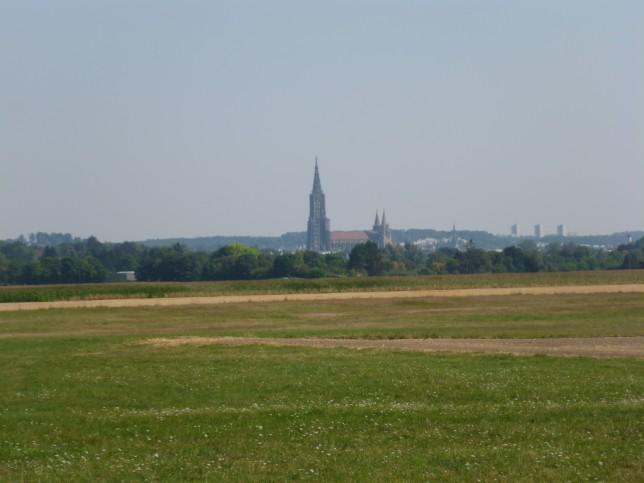 Blick von der Iller nach Ulm (Bild: Klaus Dapp)