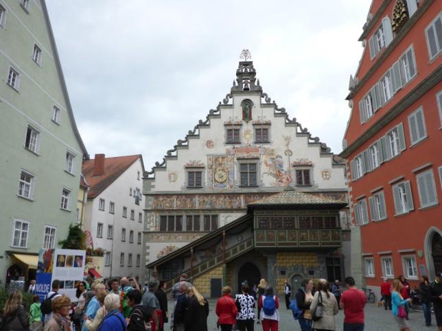 Lindauer Innenstadt mit Touristen (Bild: Klaus Dapp)
