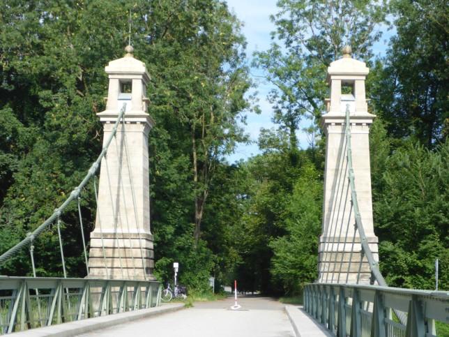 Älteste Kabelhängebrücke Deutschlands (erbaut 1896/97, 72 Meter Spannweite) (Bild: Klaus Dapp)