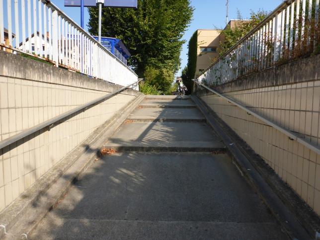 Radweg zur Querung der Bahn in Gernsheim (Bild: Klaus Dapp)