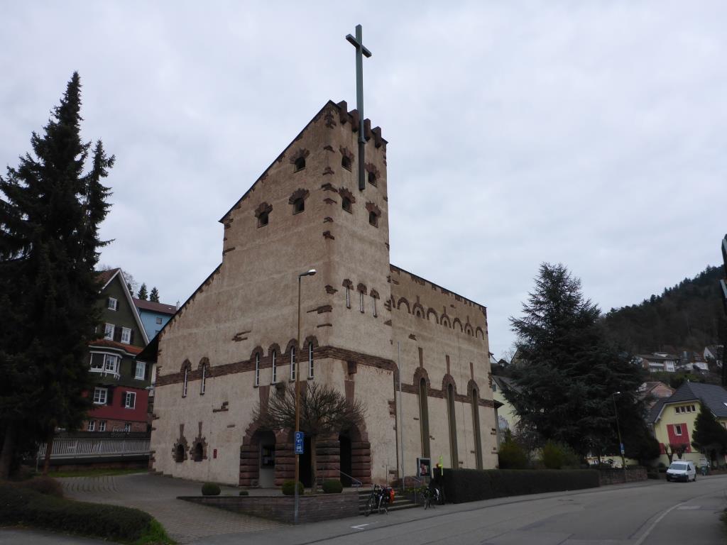 Katholische Kirche in Neuenbürg aus den 1950er Jahren (Bild: Klaus Dapp)