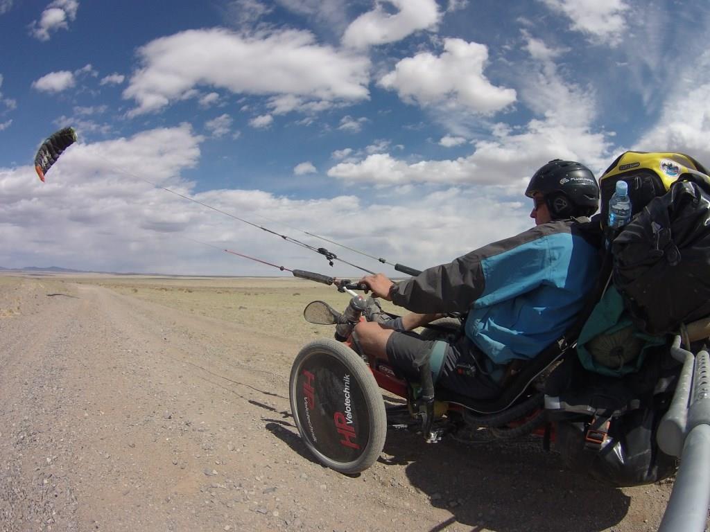 Matthias Ramsel mit seinem Kite-Trike (Bild: HP Velotechnik)