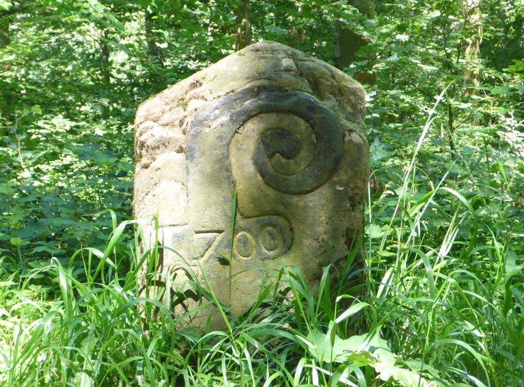 """Basler Wappen auf einem historischen Grenzstein an der """"Eisernen Hand"""" (Bild: Klaus Dapp)"""