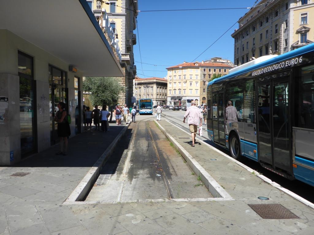 Endhaltestelle der Straßenbahn nach Opicina (Bild: Klaus Dapp)