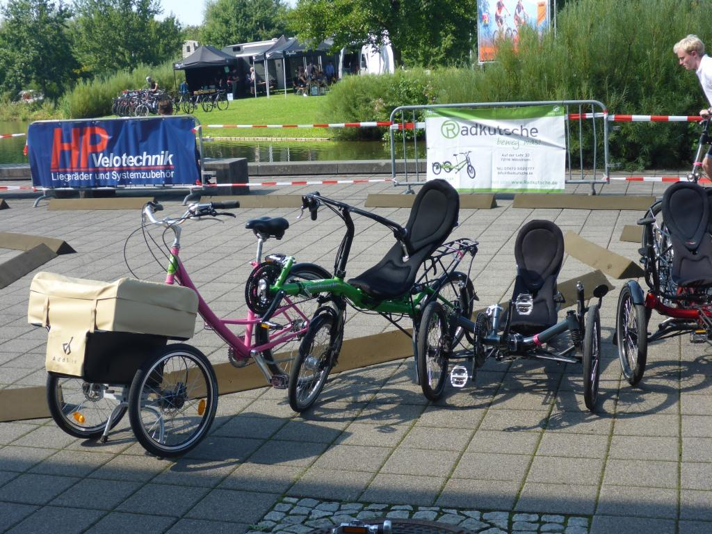 Liegeräder auf dem Freigelände der Eurobike (Bild: Klaus Dapp)