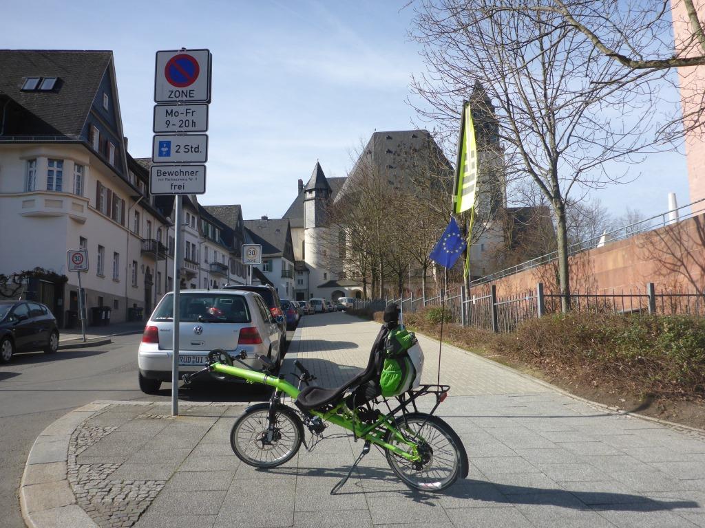 Start am Landeshaus in Wiesbaden (Bild: Klaus Dapp)