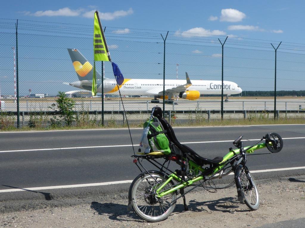 """Parkplatz"" am Frankfurter Flughafen (Bild: Klaus Dapp)"