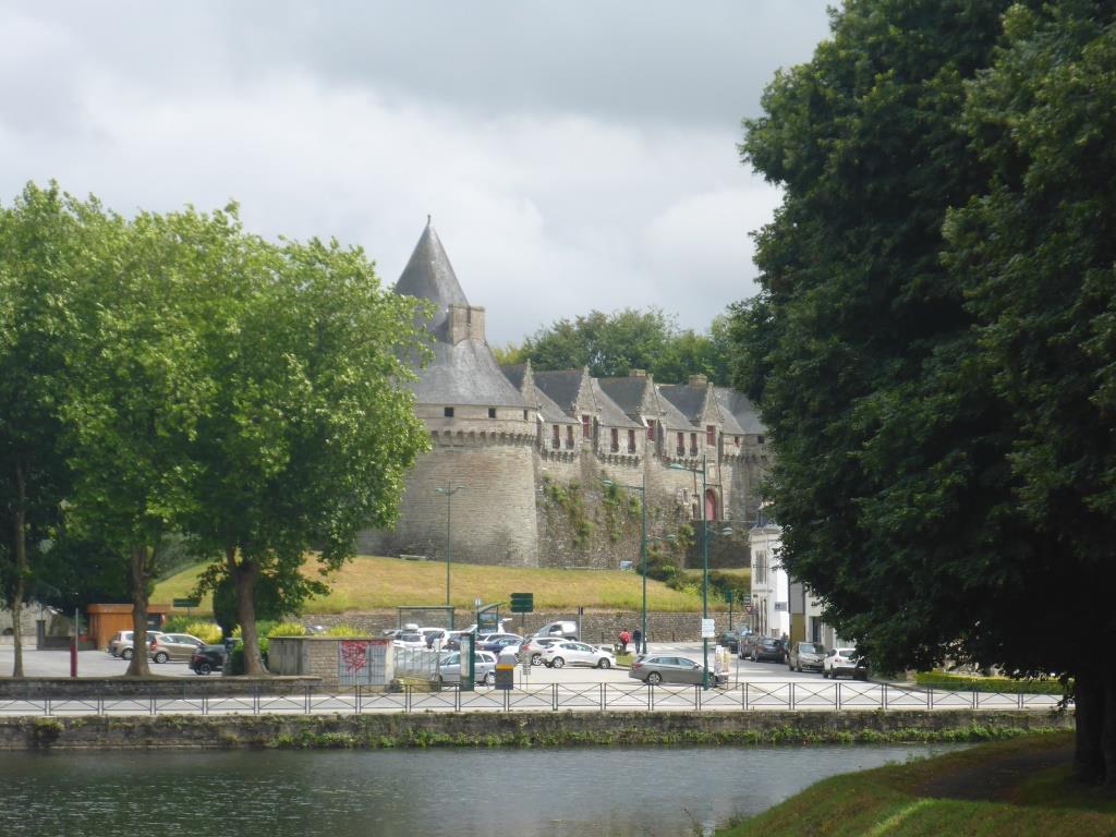 Blick auf die Festung von Pontivy (Bild: Klaus Dapp)