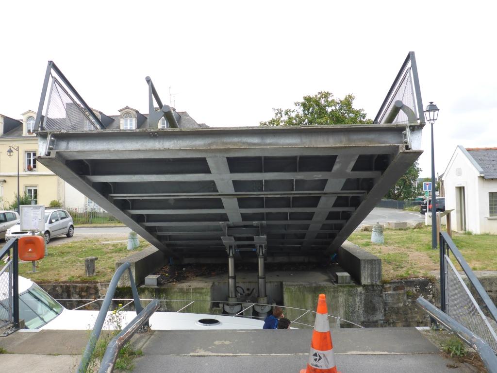 Klappbrücke des Radweges in Redon (Bild: Klaus Dapp)