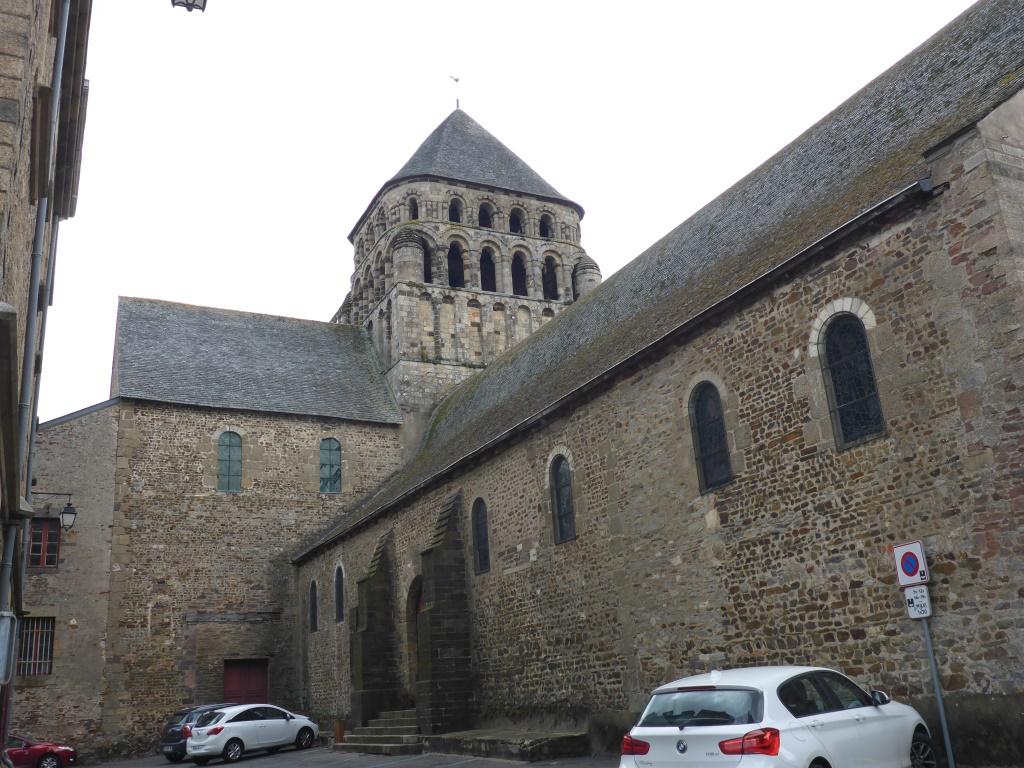 Kirchen Saint-Sauveur in Rohan (Bild: Klaus Dapp)