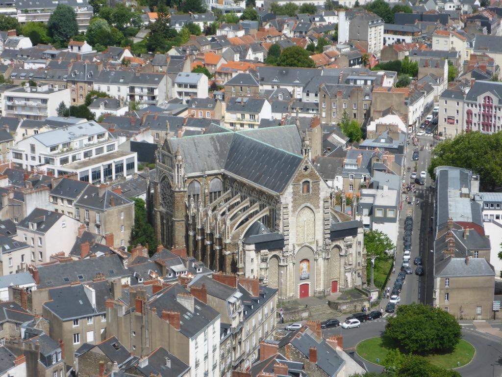 Blick auf die Kirche Saint-Similien (Bild: Klaus Dapp)