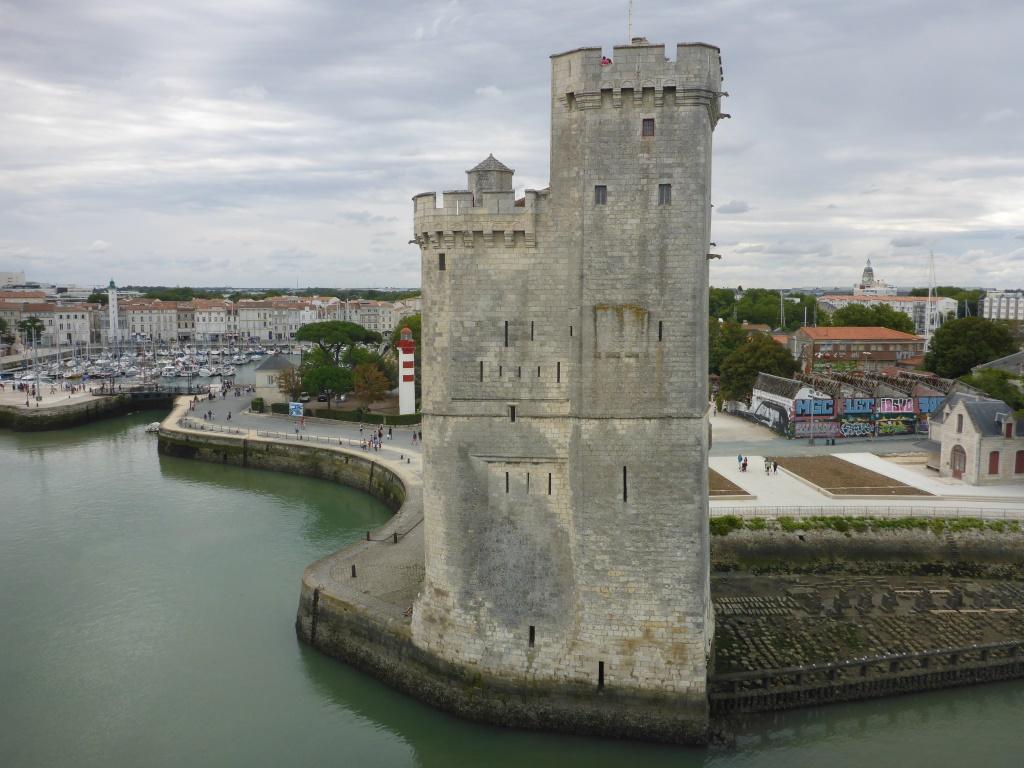 Turme der Hafenbefestigung Tour de la Chaine von dem aus mit einer Kette der Hafen gesichert werden konnte (Bild: Klaus Dapp)
