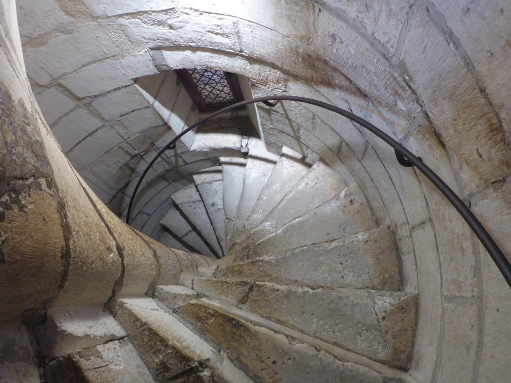 Wendeltreppe im Turm der Hafenbefestigung Tour St.-Nicolas (Bild: Klaus Dapp)