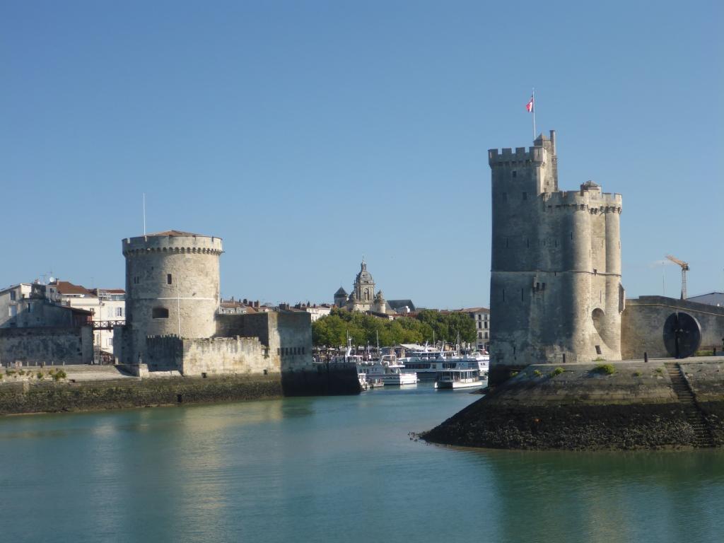 Hafeneinfahrt von La Rochelle (Bild: Klaus Dapp)