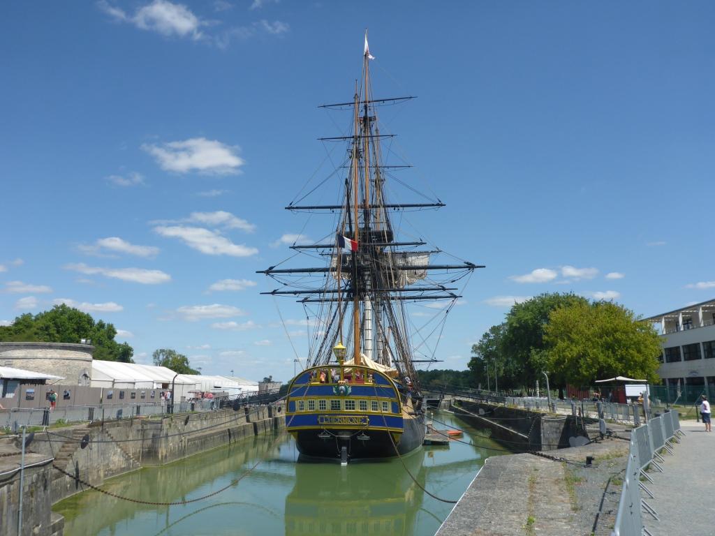 Rekonstruiertes Segelschiff L'Hermione in der historischen Werftanlage (Bild: Klaus Dapp)