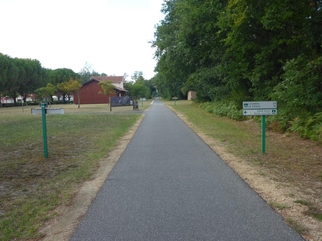 Radweg beim ehemaligen Bahnhof von Lege (Bild: Klaus Dapp)