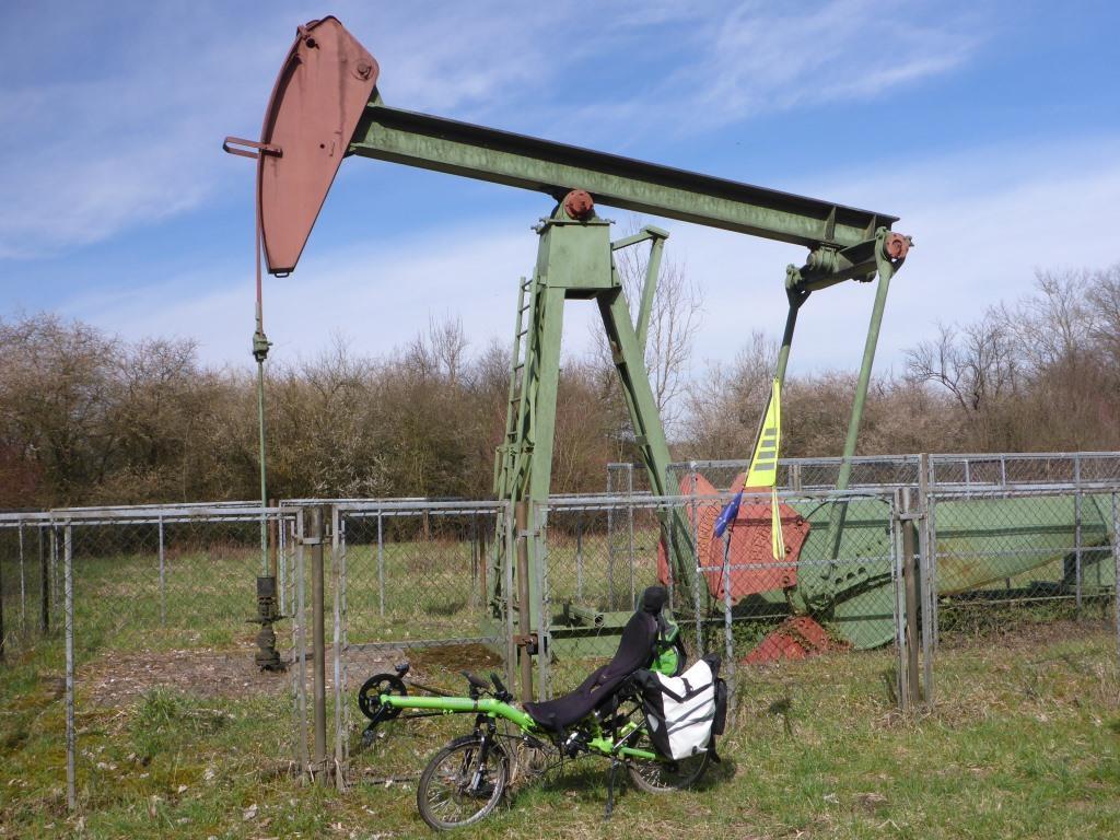 Historische Ölpumpe im Naturschutzgebiet Kühkopf (Bild: Klaus Dapp)