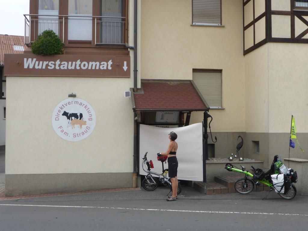 Notversorgung für Nicht-Vegetarier in Unterrückersbach in Thüringen (Bild: Klaus Dapp)