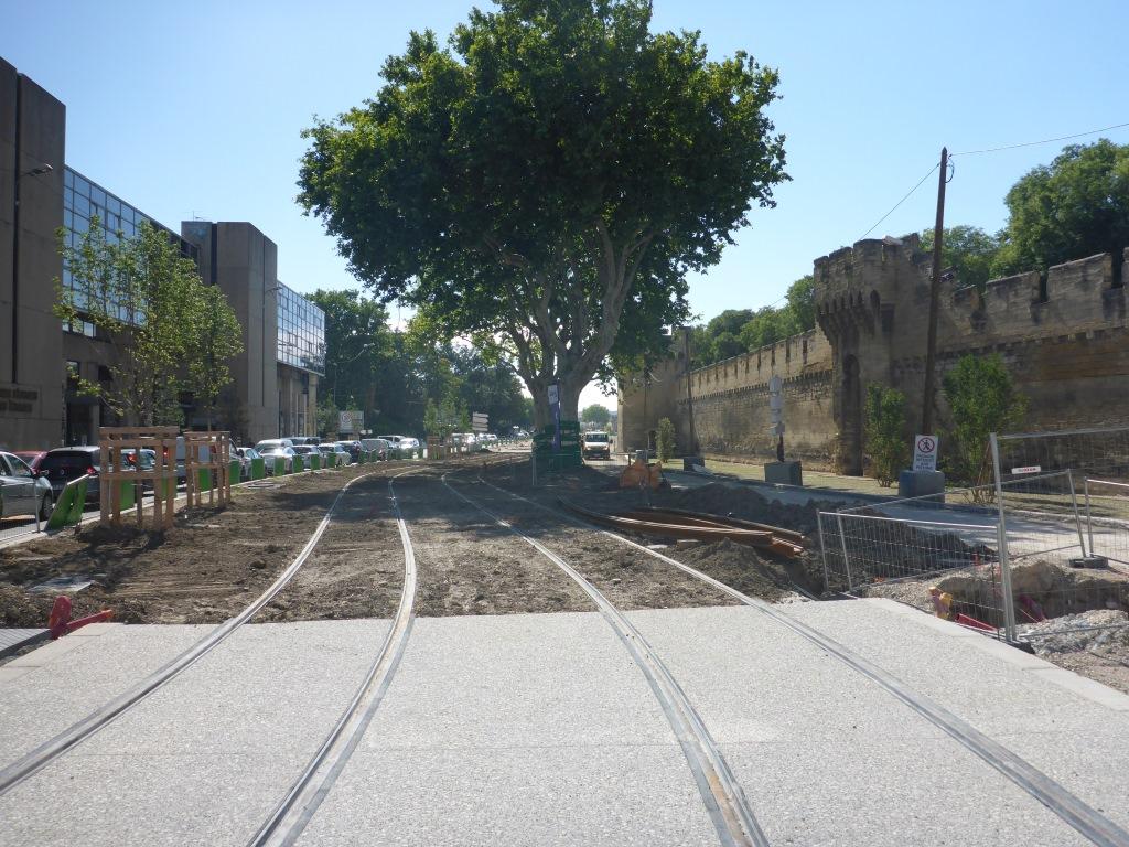Neue Straßenbahn in Avignon (Bild: Klaus Dapp)