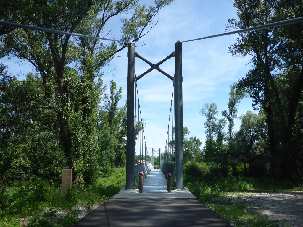 Neue Fahrradbrücke über die Rhone (Bild: Klaus Dapp)