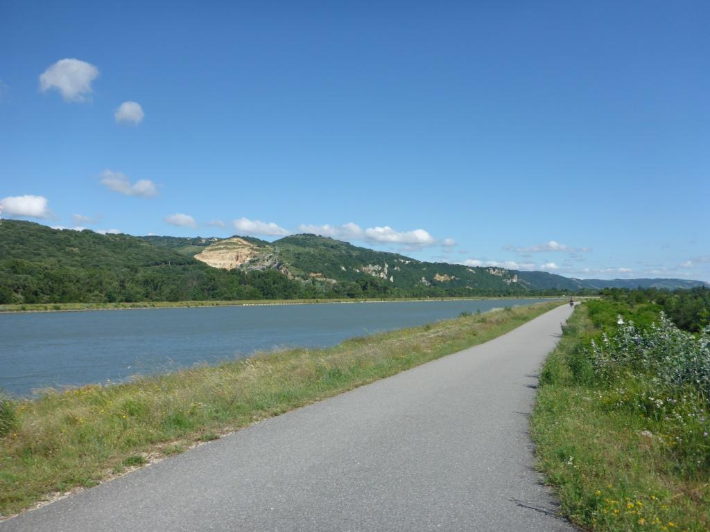 Blick rhoneaufwärts oberhalb von Valance (Bild: Klaus Dapp)