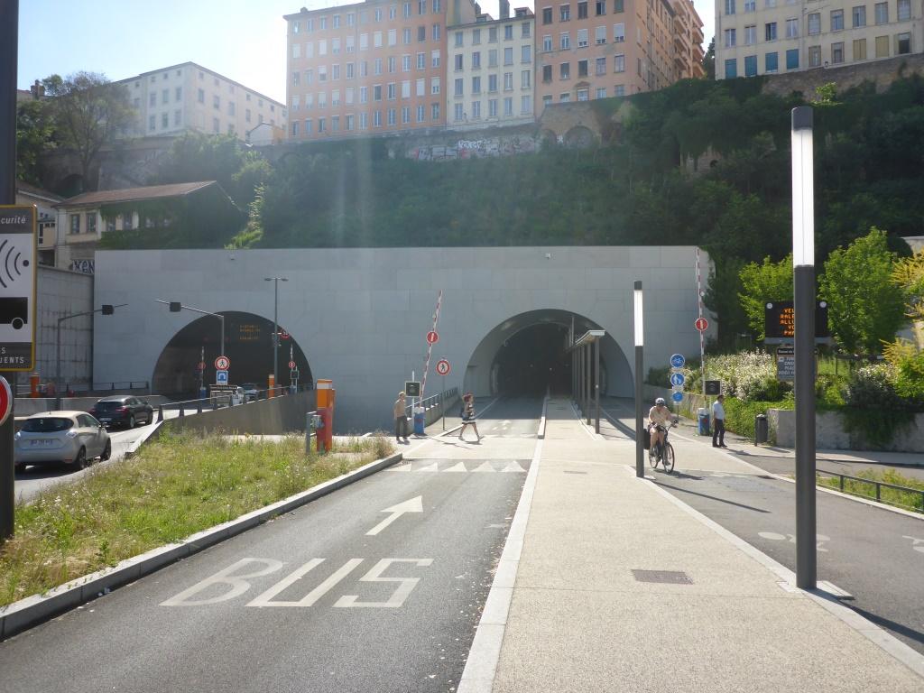 Tunnelausgang auf Seite der Rhône (Bild: Klaus Dapp)