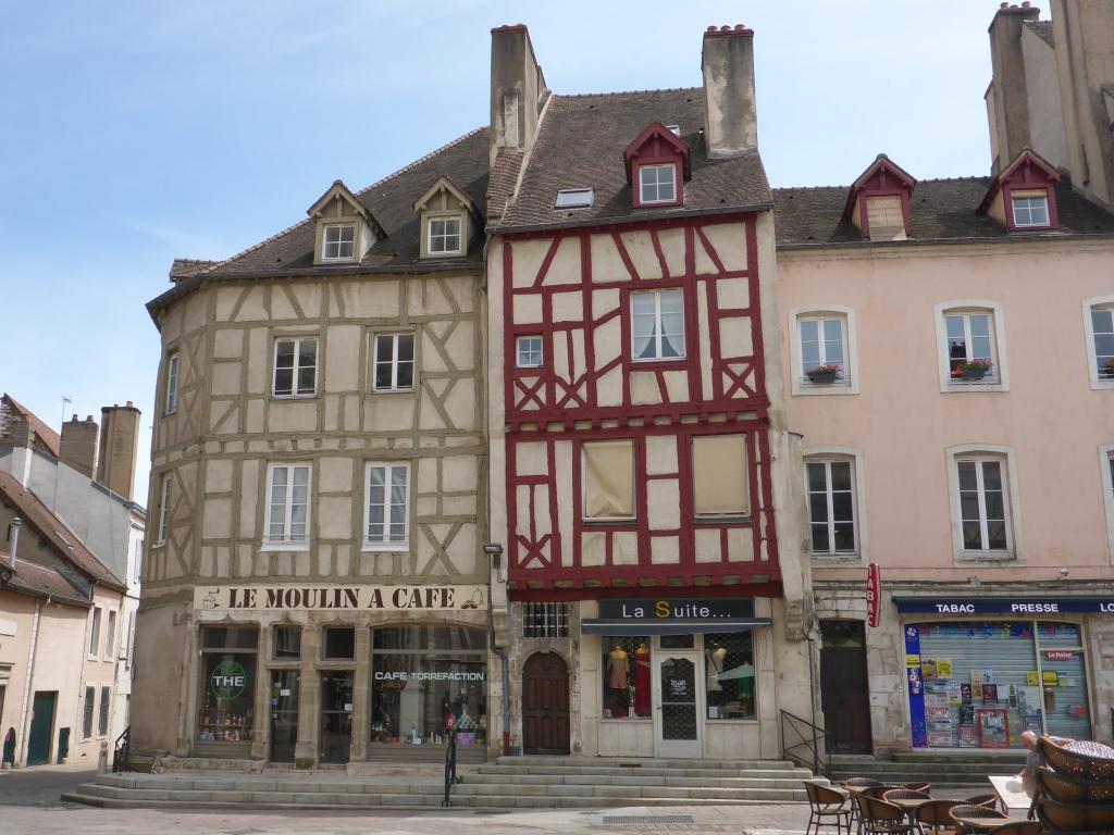 Altstadt bei der Kathedrale Saint-Vincent in Chalon-sur-Saône (Bild: Klaus Dapp)