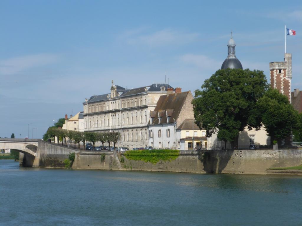 Blick auf die Saône-Insel in Chalon-sur-Saône (Bild: Klaus Dapp)
