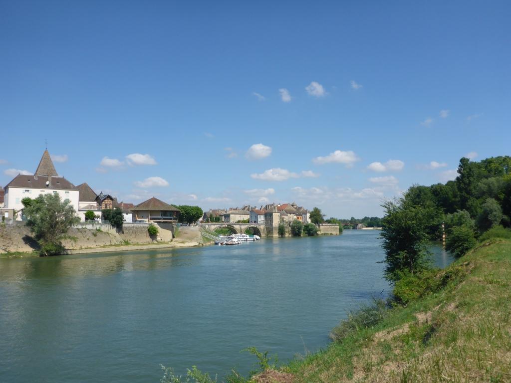 Blick auf die Mündung des Doubs in die Saône in Verdun-Sur-Le-Doubs (Bild: Klaus Dapp)