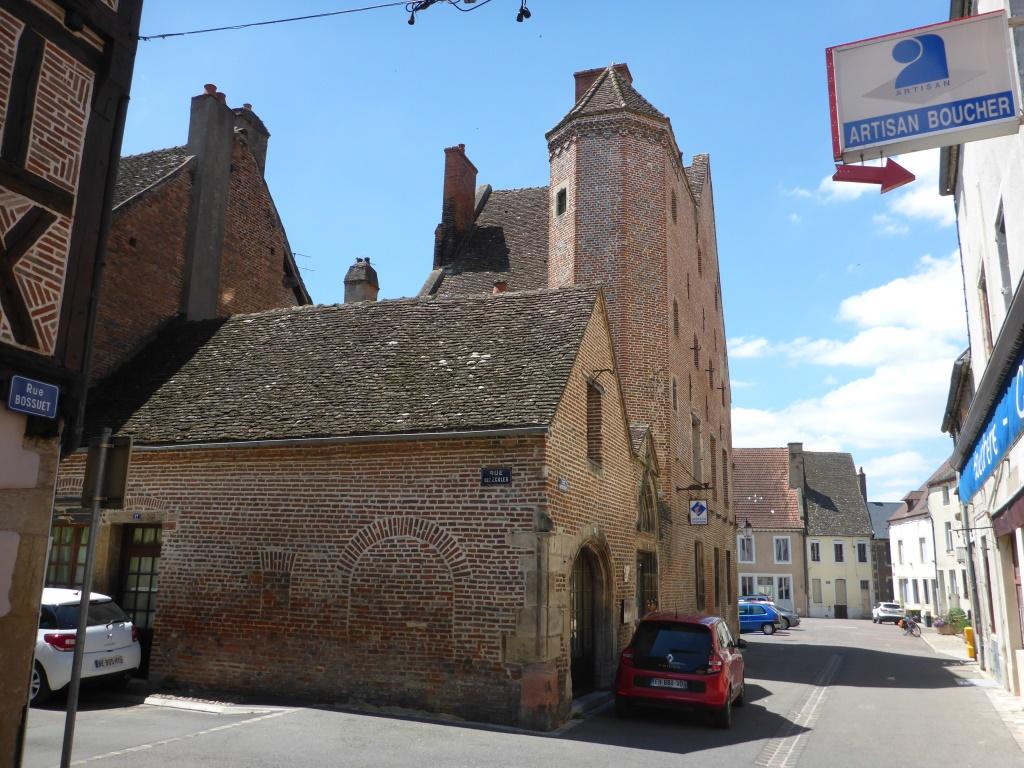 Rathaus von Seurre (Bild: Klaus Dapp)