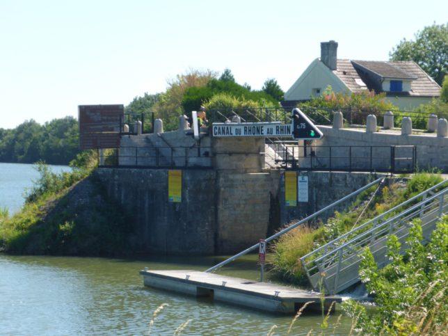"Abzweig des ""Canal Rhône-Rhin"" (Bild: Klaus Dapp)"