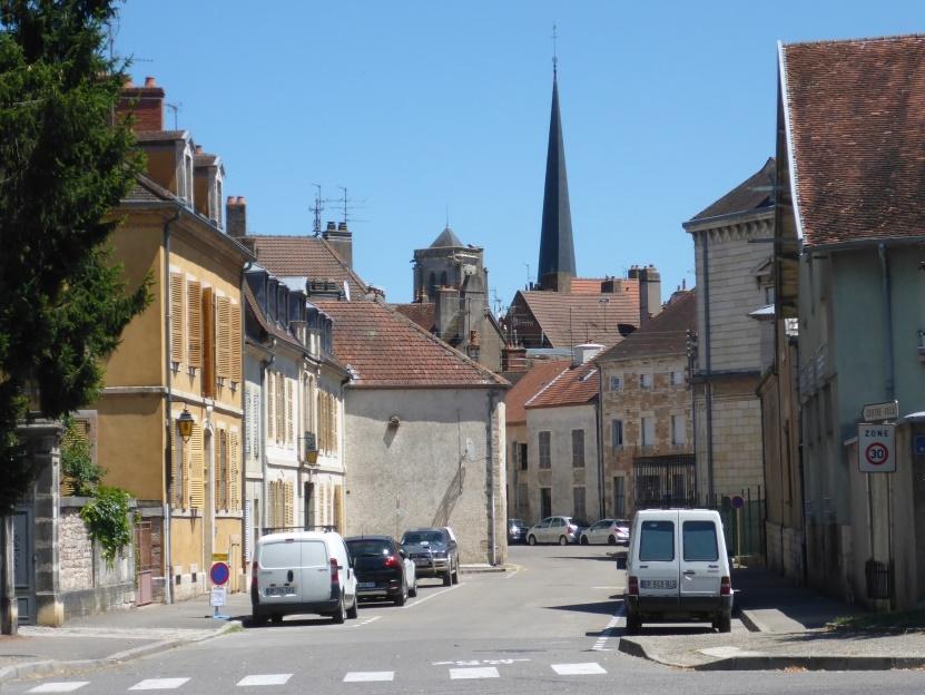Ortsstraße in Auxonne (Bild: Klaus Dapp)