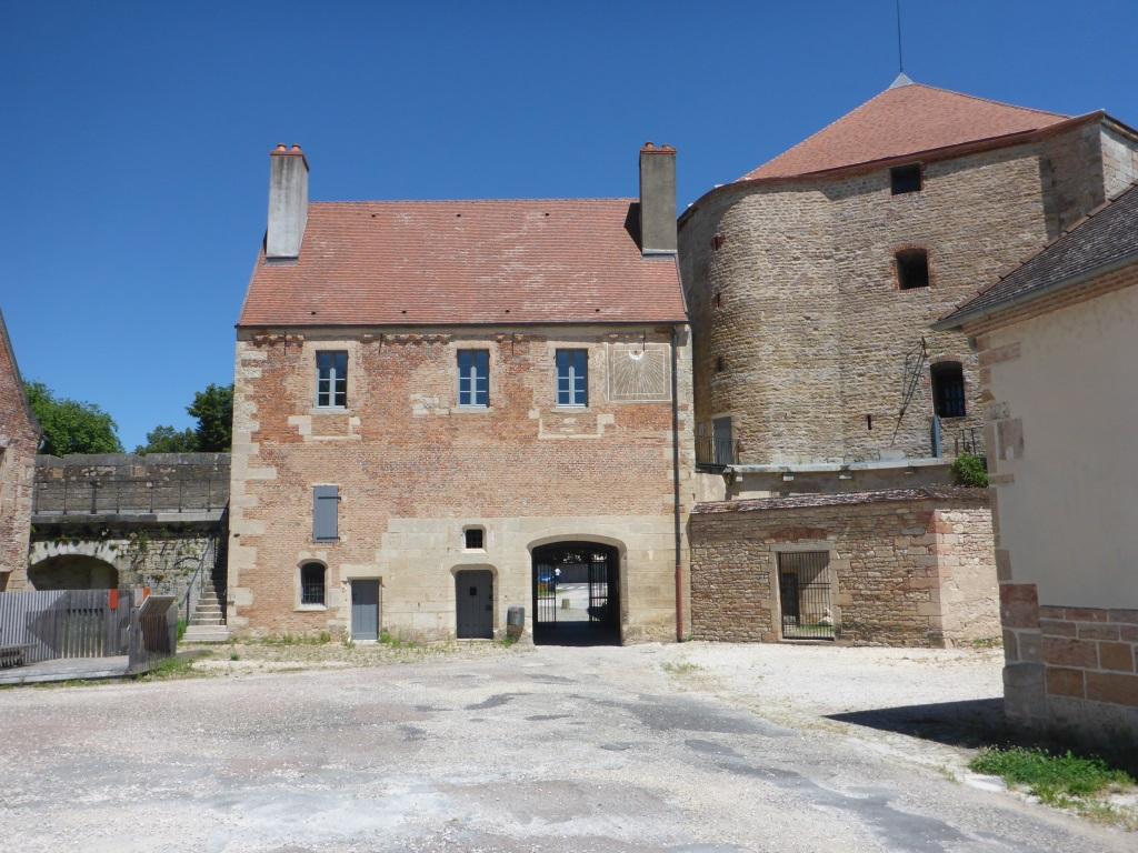Burg von Auxonne (Bild: Klaus Dapp)