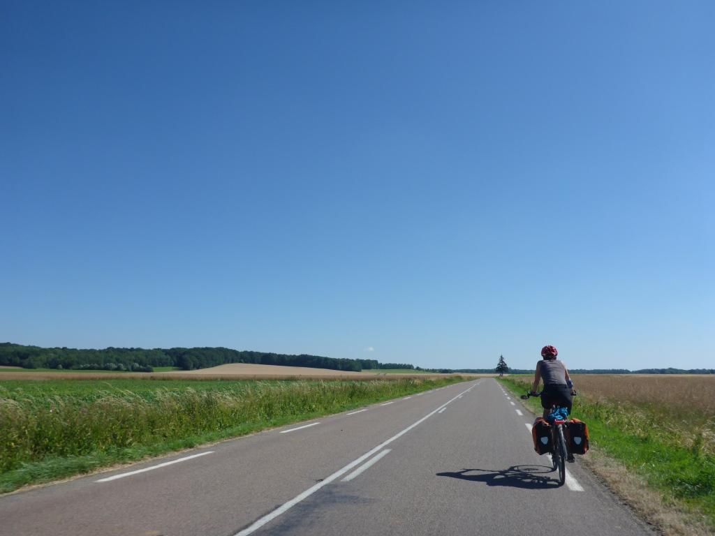 Departmentstraße von Talmay nach Essertenne-et-Cecey (Bild: Klaus Dapp)