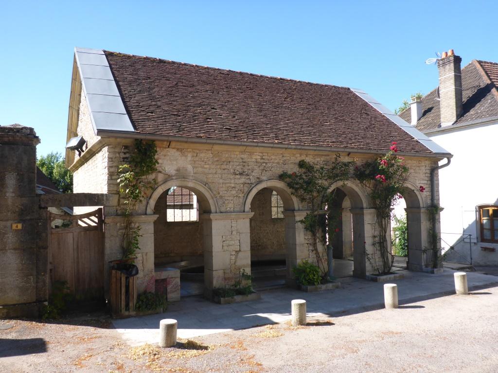 Historisches Waschhaus von Ray-sur-Saône (Bild: Klaus Dapp)