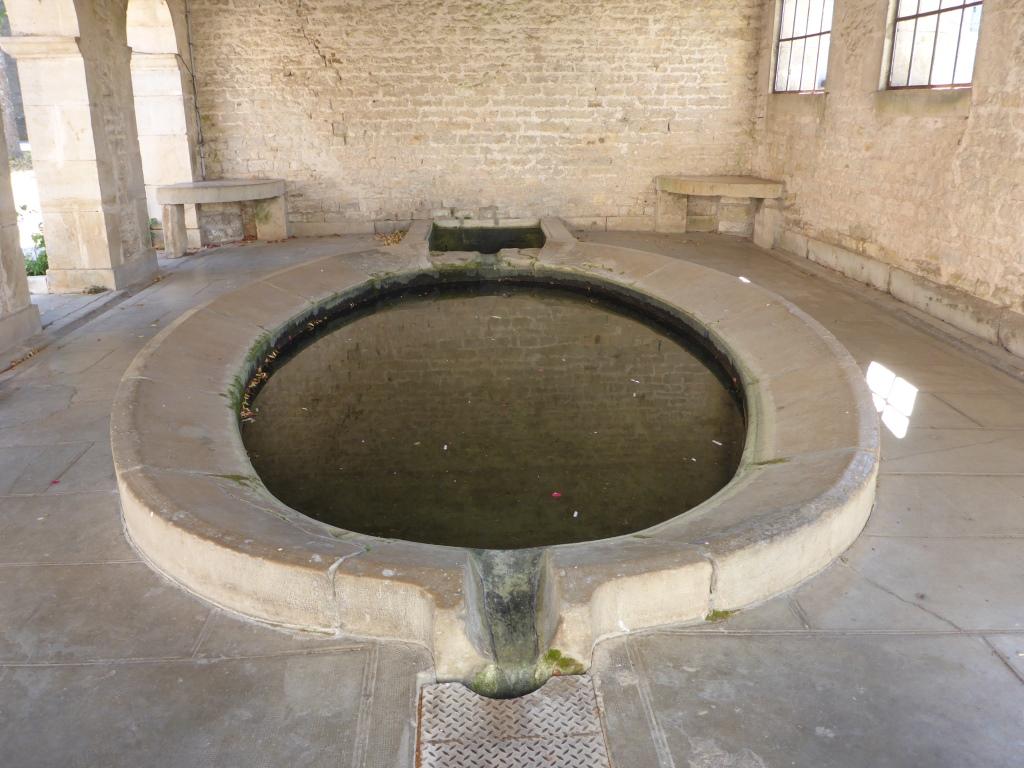Im historischen Waschhaus von Ray-sur-Saône (Bild: Klaus Dapp)