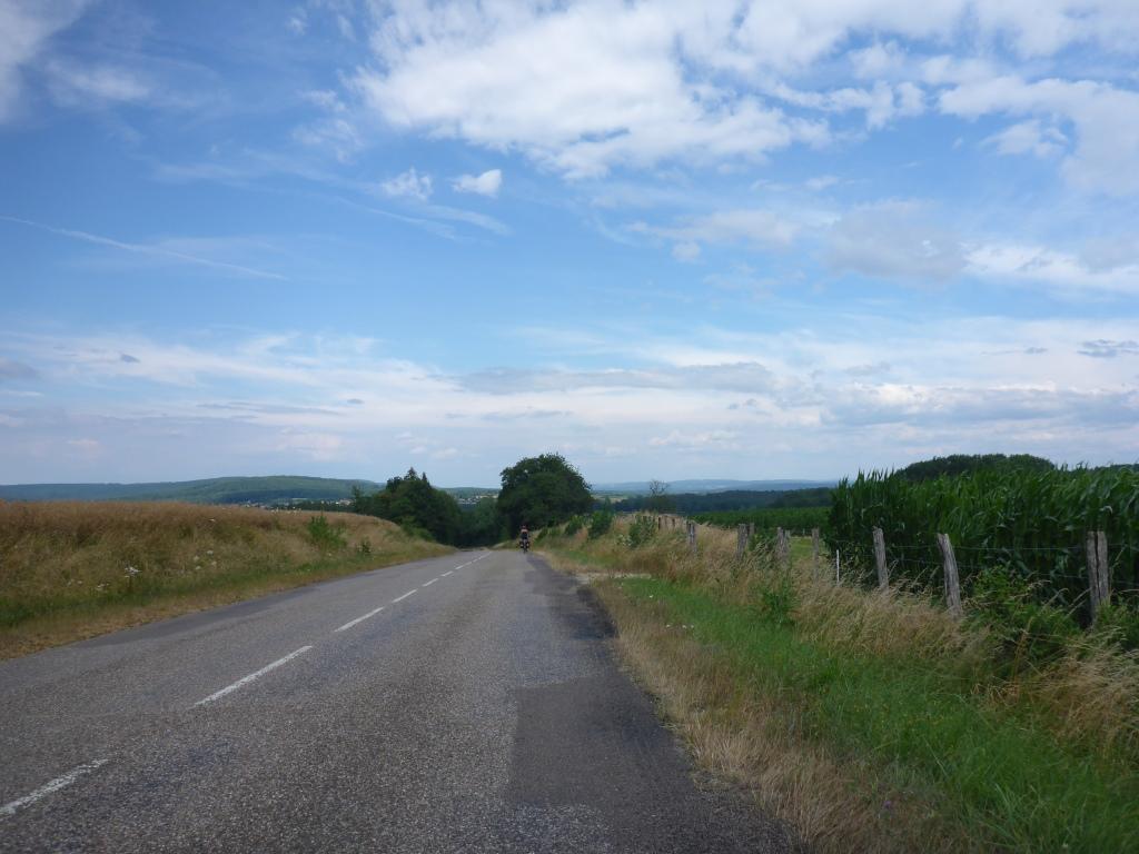 Verbindungsstraße von Vougécourt nach Passavant-la-Rochèr (Bild: Klaus Dapp)