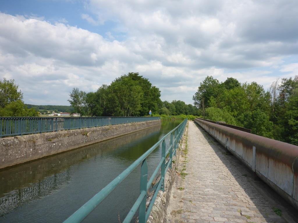 Brücke des Kanals der Vogesen über die Mosel in Epinal (Bild: Klaus Dapp)