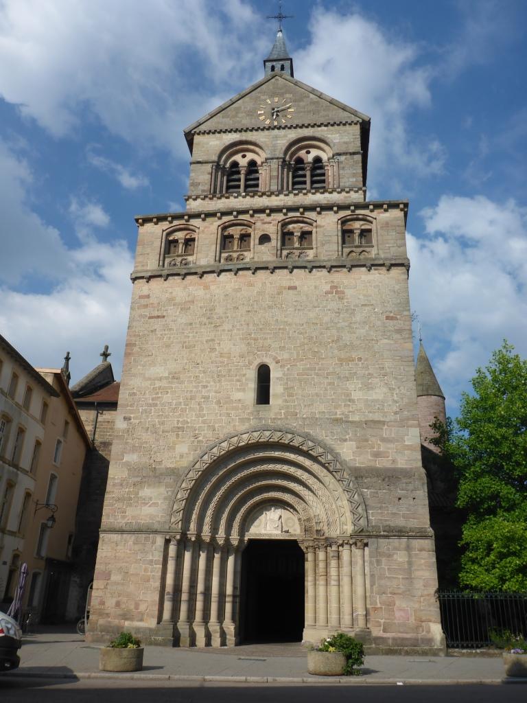 Blick auf die Basilika Saint-Maurice (Bild: Klaus Dapp)