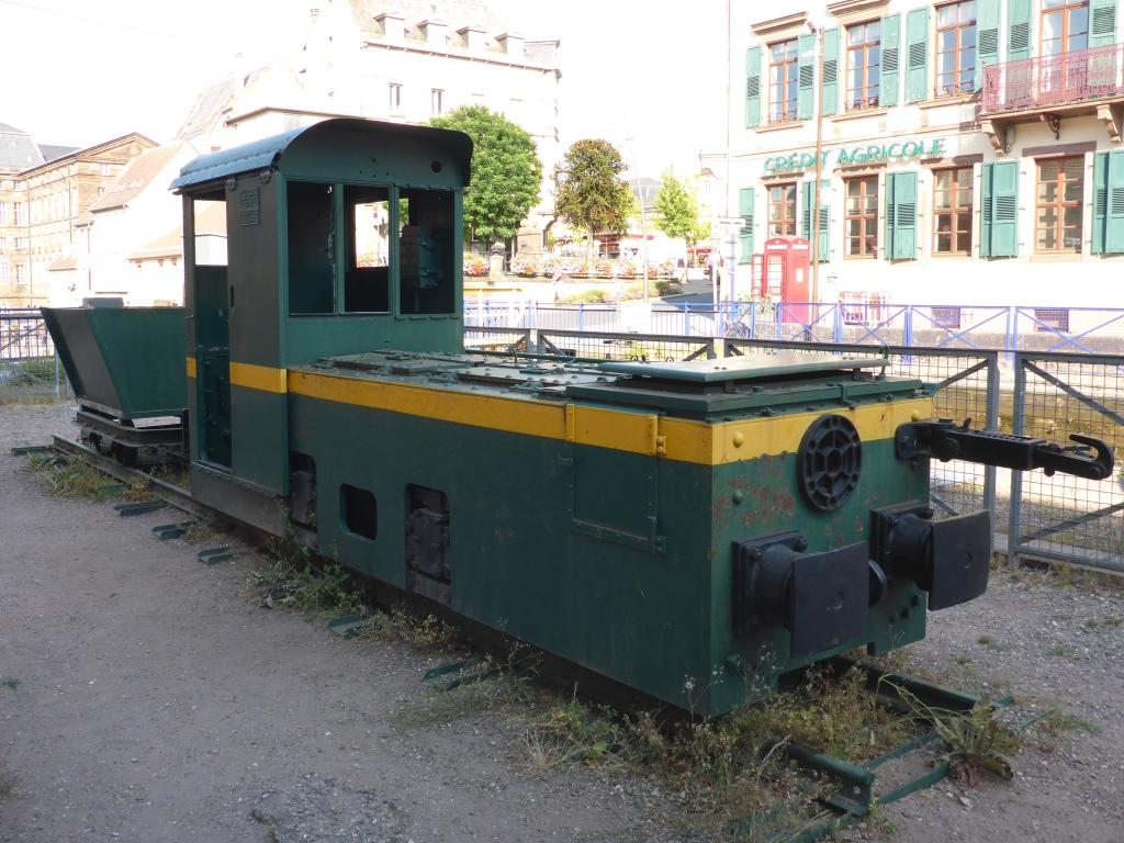 Zugfahrzeug für die Schiffe in Saverne (Bild: Klaus Dapp)