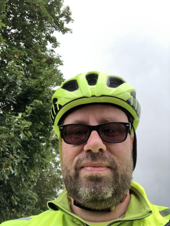 Ich mit Sonnenbrille - immer optimistisch (Bild: Antje Hammer)