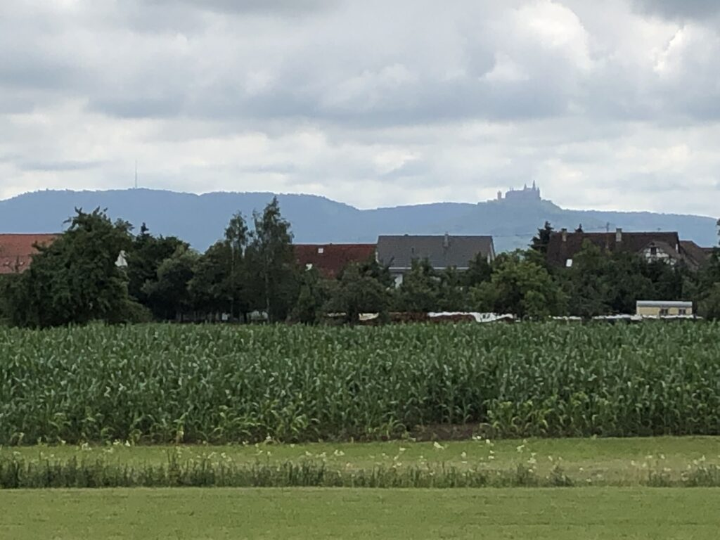 Schwäbische Alb mit Hohenzollernburg (Bild: Klaus Dapp)
