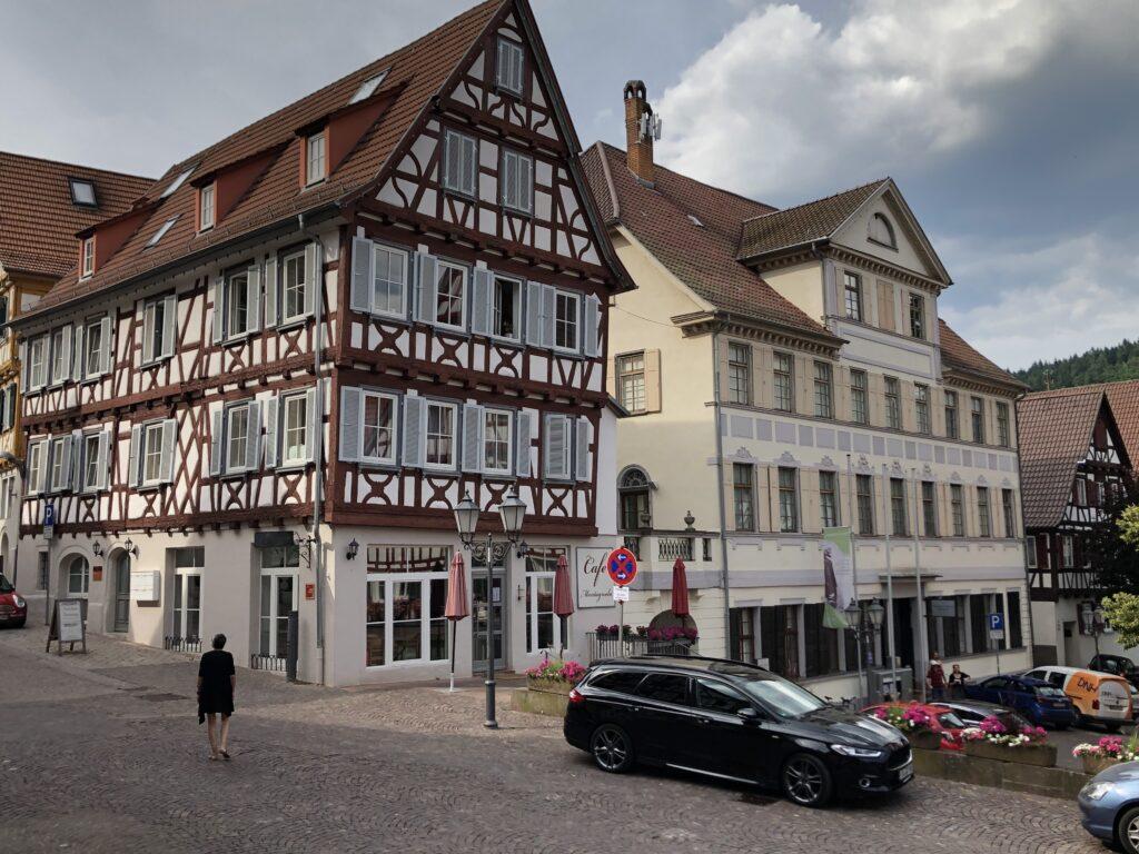 Geburtshaus von Hermann Hesse (rechts) (Bild: Klaus Dapp)