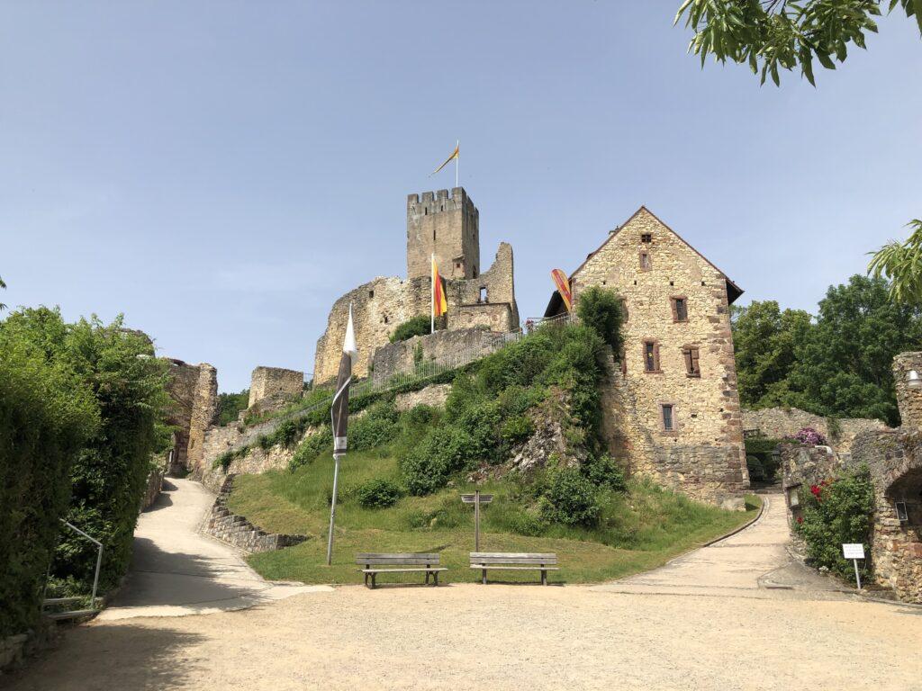 Burg Rötteln - Heimat des Fräulein Burg (Bild: Klaus Dapp)