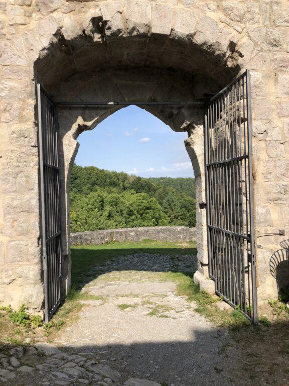 Blick von der Ruine Leofels auf das Jagsttal (Bild: Klaus Dapp)